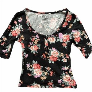 Nollie Floral Quarter Sleeve Crop Top